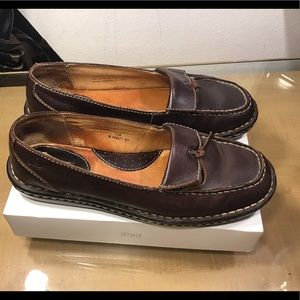 Born women's leather shoes, Great Condition.